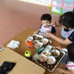 7月生まれのお誕生日会と今日の給食風景